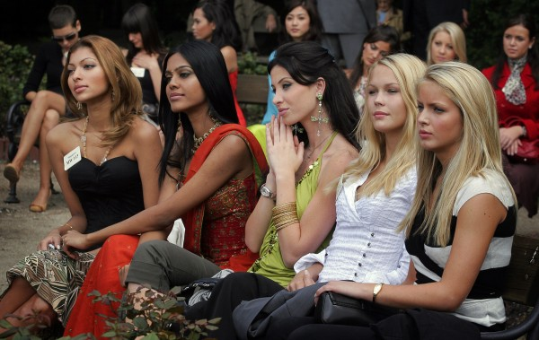Miss World 2006 contestants; Pereira Colleen Francisca, Natasha Suri, Annabella Hilal, Tonje Elise Skjaervik and Cathrin Skog
